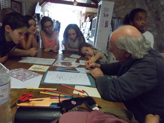 Visite de l'exposition Collages pour la dernière séance de «L'Atelier de Pierre»